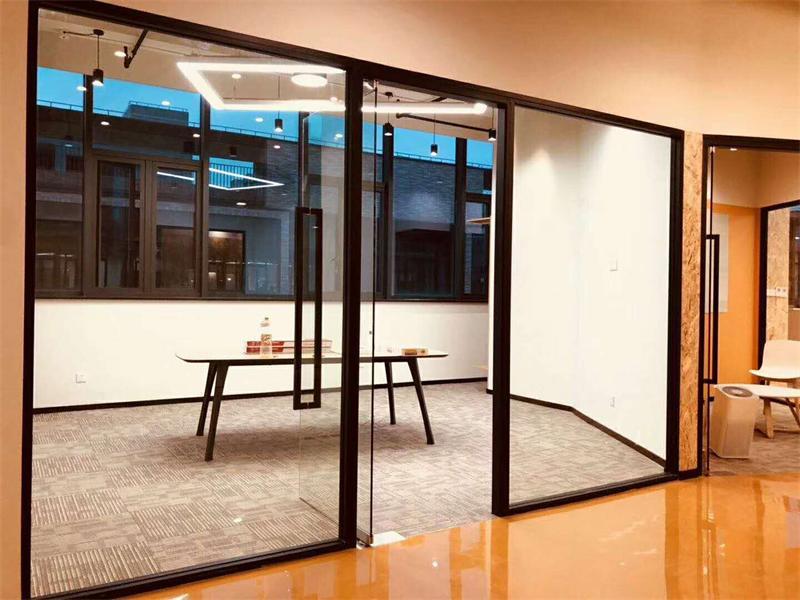 灵石路大宁国际三期办公室家具软装完毕