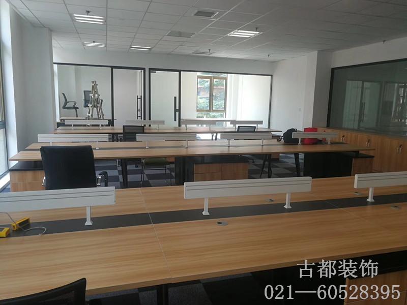 远中产业园办公室办公家具安装