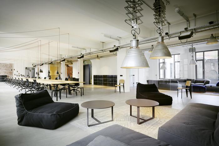 浦东新区钱江大厦开放式办公室设计
