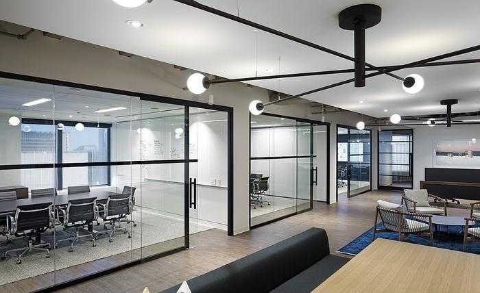 200平方办公室设计平面图